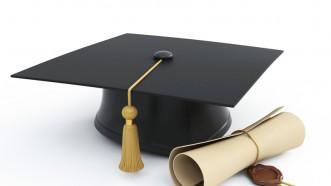 Erfolgreichen Abschluss: Bachelor, Master, Diplom, Magister, Doktor.